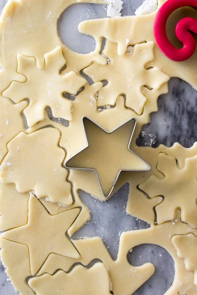 Cutting out sugar cookies from sugar cookie dough || SugarSpunRun.com