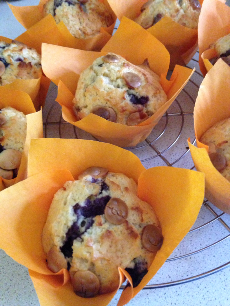 Blueberry muffins and white chocolate